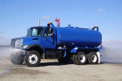 4000_gallon_blue_water_truck